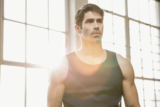 Sport und proteinreiche Lebensmittel beugen einem Testosteronmangel vor