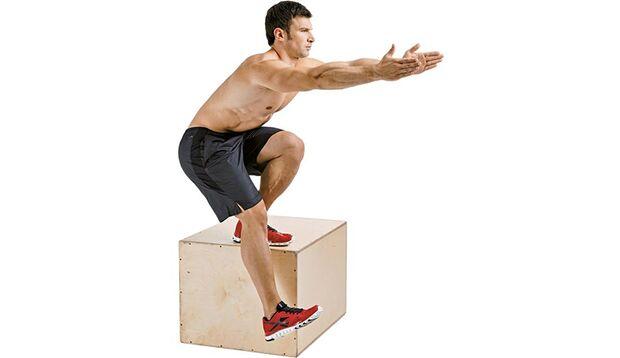 Stufe 2: Einbeinige Kniebeugen auf einer Erhöhung