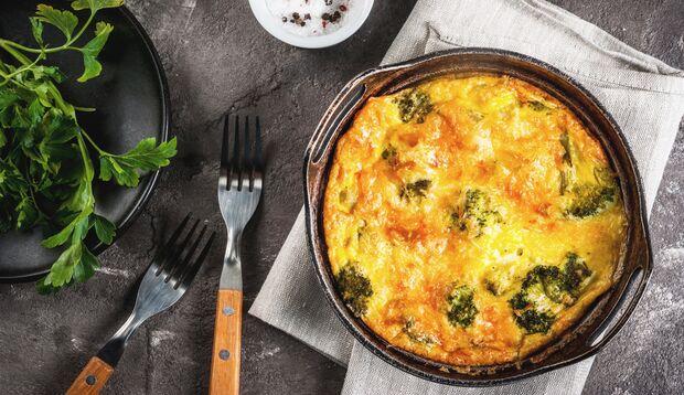 Super lecker und schnell zubereitet: Frittata mit Nudeln vom Vortag