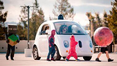 Teures Fahrvergnügen: Autobauer investieren Unsummen in digitale Projekte