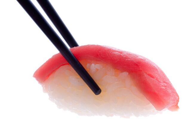 Thunfisch enthält viele gesunde  Omega-3-Fettsäuren