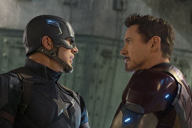 Tony Stark (Robert Downey Jr.) und Steve Rogers alias Captain America (Chris Evans) gehen getrennte Wege