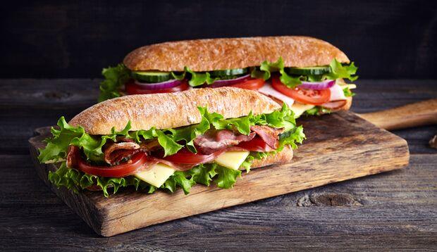U-Boot-Sandwich mit Bacon