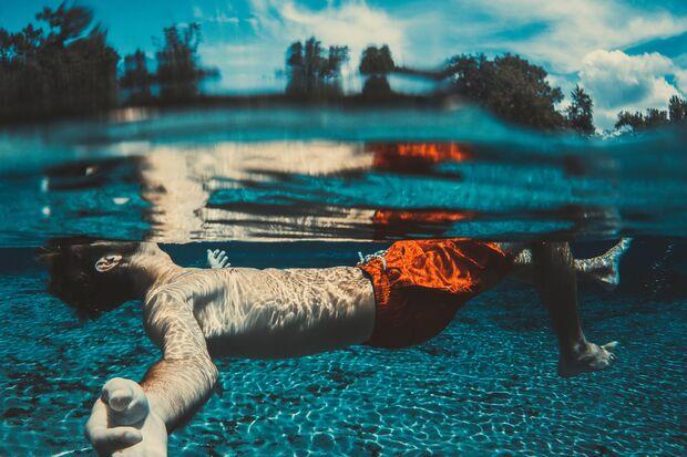 UV-Strahlen durchdringen sogar die Wasseroberfläche