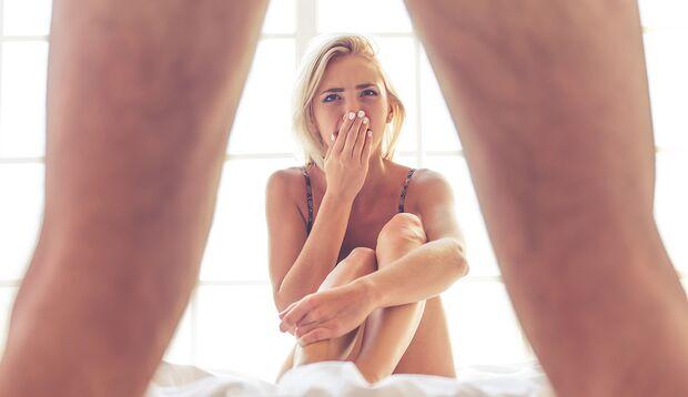 Überlastung (Stress), aber auch Versagensängste führen nicht selten zu Erektionsproblemen