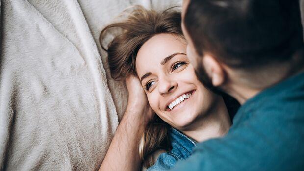 Überprüfe deine Ansprüche: Eine Frau kann nicht alle Erwartungen erfüllen