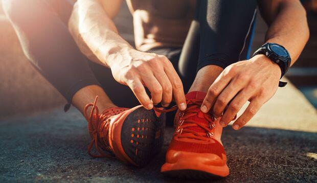 Um Blasen zu vermeiden, solltest du auf eine optimale Passform deiner Schuhe achten