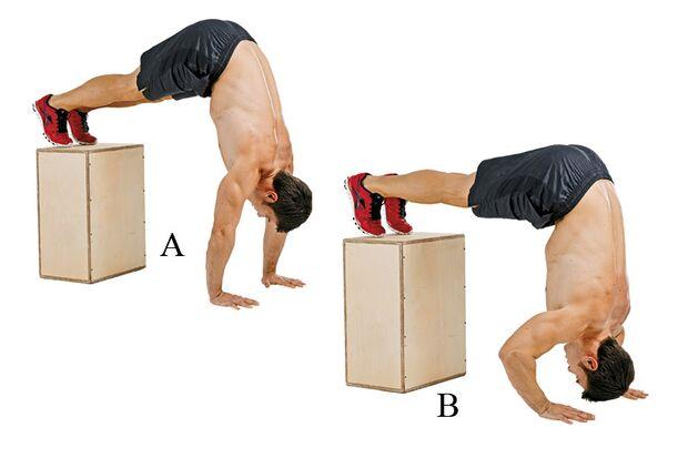 Umgekehrtes Schulterdrücken trainiert Schultern und Trizeps