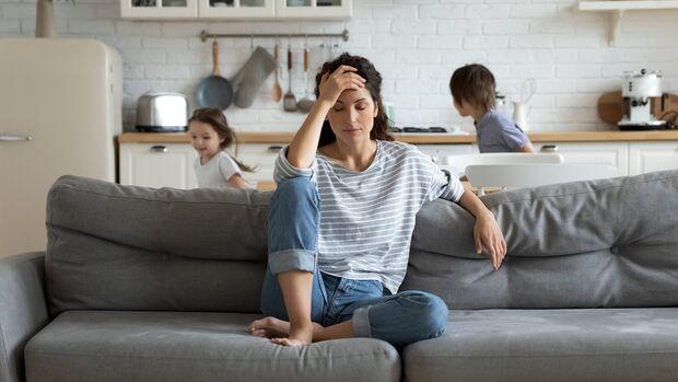 Unendliche To-do-Listen rattern durchs weibliche Gehirn und sorgen so für Druck, Stress und schlechte Stimmung