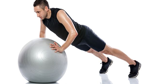 Ursprünglich für die Krankengymnastik entwickelt, fordern die Sitz-, Swiss-, Pezzi-, Fit-, Gym- und Therapie-Bälle den ganzen Körper