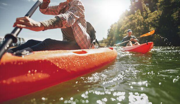Vatertagstour auf dem Wasser: mit Kajak oder Kanu