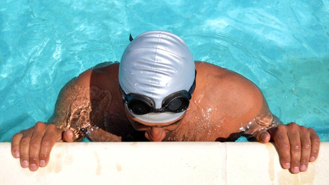 Verlegen Sie im Sommer Ihr Workout ins Schwimmbad