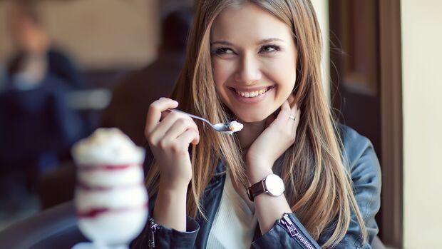 Vermeide Floskeln: Je spezifischer dein Kompliment, desto besser
