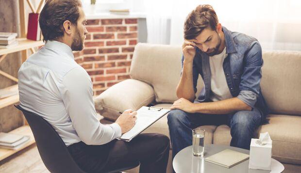 Von Sexsucht Betroffene sollten Hilfe bei einem Therapeuten suchen