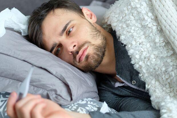 Während einer Grippe entwickelt man meist auch Fieber.