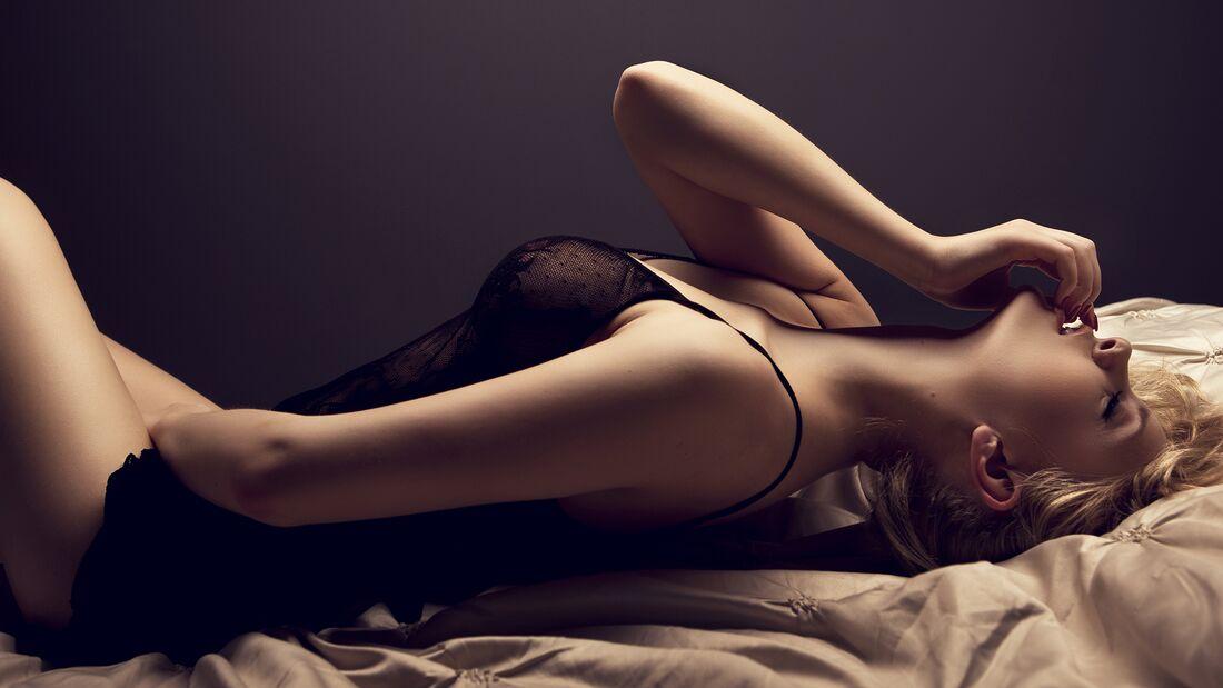 Warum Frauen möchten, dass du beim Solosex zuschaust und welche Regeln du dabei beachten solltest