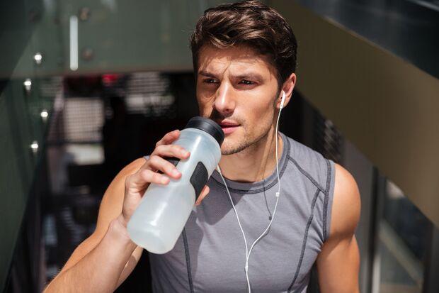 Wasser ist wichtig beim Muskelaufbau