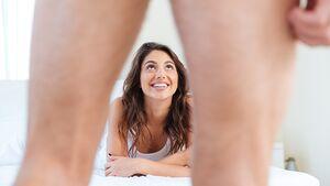 Welche Penisgröße Frauen am eindrucksvollsten finden und wie Sie Ihr bestes Stück größer wirken lassen