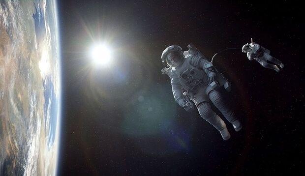 """Weltraum-Thriller """"Gravity"""": In der Stille des Weltraums kämpfen 2 verunglückte Astronauten ums Überleben"""