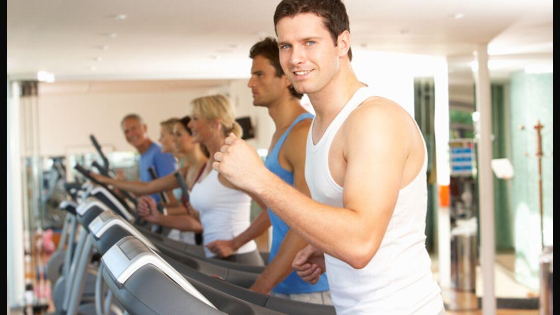 Wenn Sie gleich noch Gewichte stemmen wollen, verpulvern Sie nicht vorher Energie auf dem Laufband