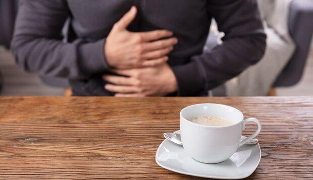Wer häufig unter Darmproblemen leidet, sollte Kaffee meiden