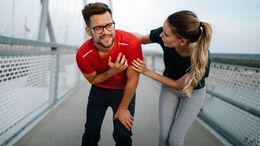 Wer trotz eines Infekts Sport treibt, kann dadurch eine Herzmuskelentzündung provozieren.