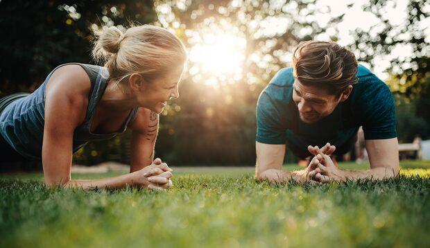 Werden Sie gemeinsam im Outdoor-Gym fit