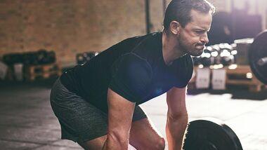 Wie Sie das richtige Gewicht fürs Hantel-Training berechnen