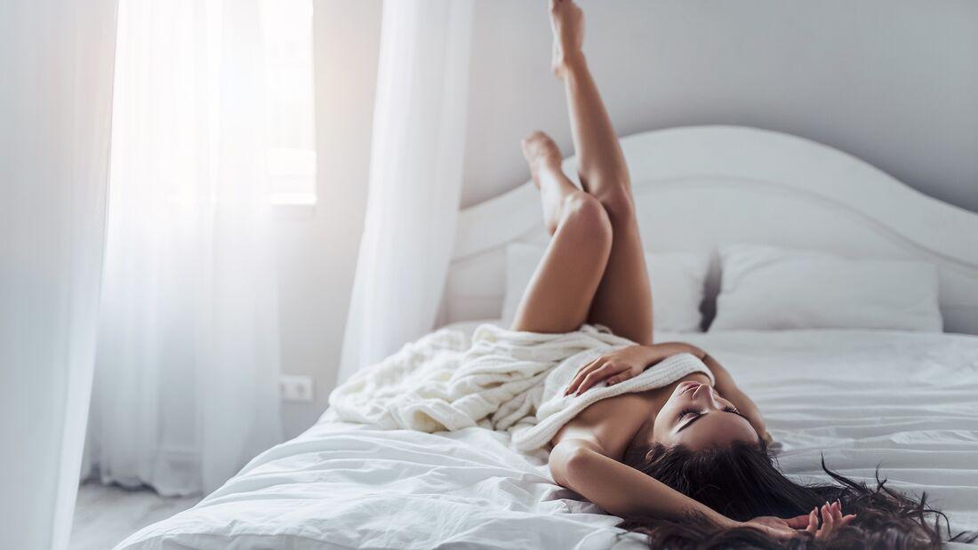 Wie Sie eine Frau an ihren erogenen Zonen verwöhnen
