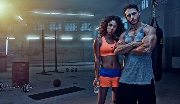 Wir haben das perfekte Partner-Workout entwickelt. So kommen Sie mit der Liebsten ins Schwitzen