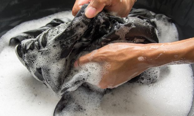 Wird Wäsche permanent bei zu niedrigen Temperaturen gewaschen, fängt sie irgendwann an zu stinken