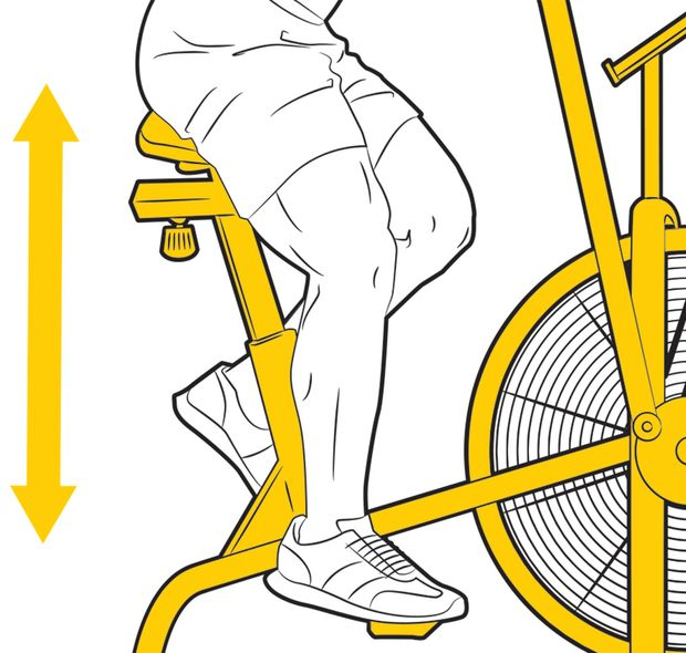 Zuerst wird die Sattelhöhe beim Air-Bike eingestellt