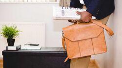 adeolu-eletu-unsplash-Taschenpflege.jpg