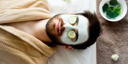 mann mit grüner Maske