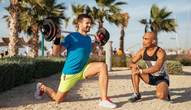 sh_426249976_bbernard_VR_Training_Personal_Trainer_Workout_800x462.jpg