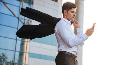 sh_480571078_Dean-Drobot_business-man_outfit_knigge_800x462