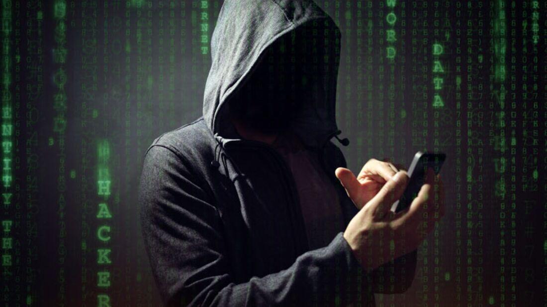 sh_597834614_Brian-A-Jackson_Smartphone-Spionage.jpg